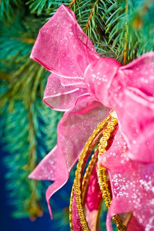 Close up view of the christmas ornament, christmas, decoration, ornament, tree, holiday, red, celebration, night, lights, season, ribbon, illuminated, shiny, winter, sphere, bow, gold, traditional, paper, green, ball, home, interior, light, pine, color, d photo