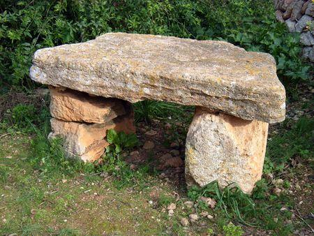sacrificio: Old Stone Altar utilizado para sacrificios