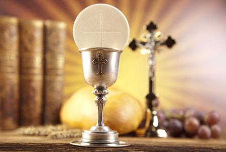 eucharistie: La Sainte Communion avec du pain, du vin Banque d'images