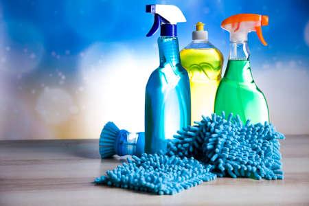 Vielzahl von Reinigungsmittel, zu Hause aus arbeiten