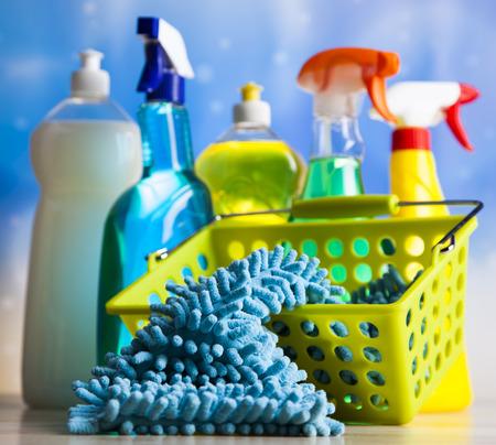 cleaning products: Conjunto de productos de limpieza, trabajo a domicilio colorido tema