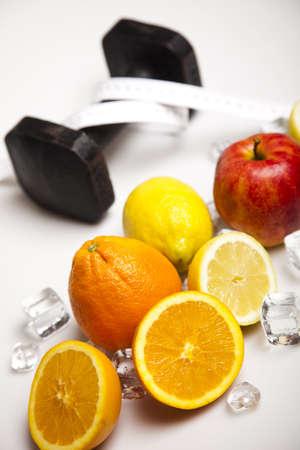 measurement tape: Fruits and measurement tape