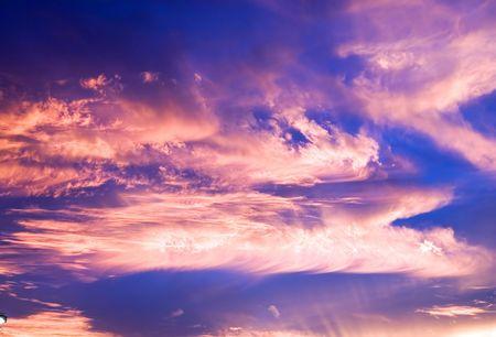 brilliant colors: La formaci�n de las nubes al atardecer brillantes colores