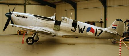 avion de chasse: Spitfire la Deuxi�me Guerre mondiale avion de chasse