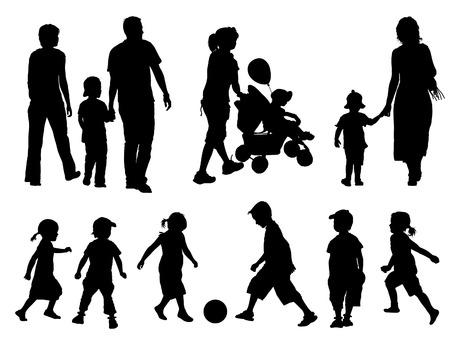 ser padres: Un conjunto de padres e hijos siluetas. Ilustraci�n vectorial.