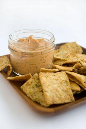 sumptious: Hummus Tomato Basil with Crisp Pita Chips