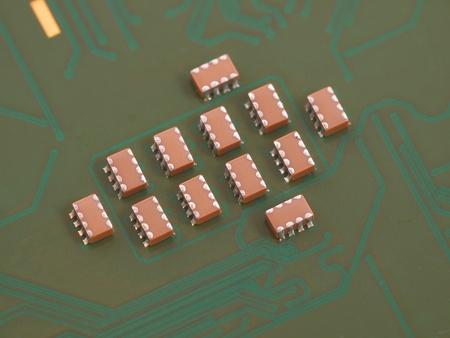 Capacitors: Troop of ceramic capacitors