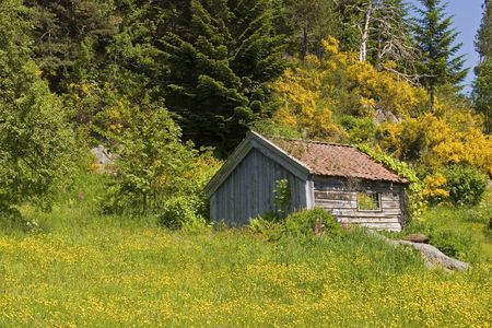 Deserted mountain hut Stock Photo - 998544
