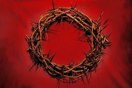 crown of thorns: Corona de espinas contra el fondo rojo - simb�lico de la jornada �l desgastado nuestra corona  Foto de archivo