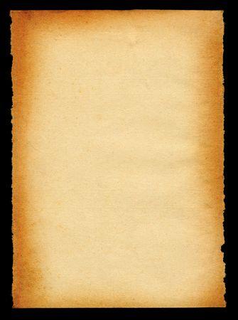 Vieille feuille de papier jauni sur les bords isolés sur fond noir  Banque d'images - 857346