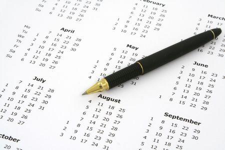 close-up von einfachen weißen Jahreskalender Seite und Kugelschreiber Lizenzfreie Bilder
