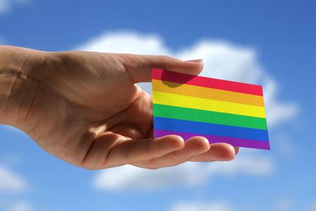 bandera gay: Bandera del arco iris en la pequeña tarjeta de visita