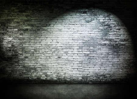 Spot-Licht auf alten weißen Mauer