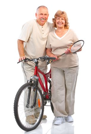 mujeres mayores: Par de senior activa. Aislados sobre fondo blanco  Foto de archivo