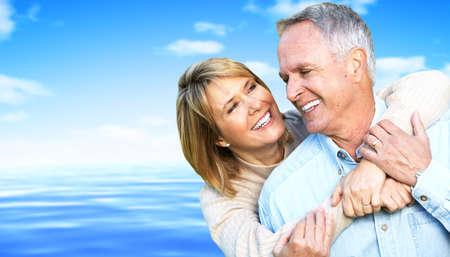 pareja saludable: Feliz pareja de jubilados