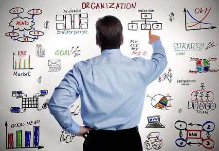 organigrama: Hombre de negocios y la organización empresarial esquema de fondo de Estrategia Foto de archivo