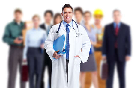 human health: Doctor y un grupo de trabajadores. Seguridad en el trabajo. Foto de archivo