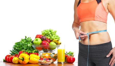 mujeres gordas: Mujer medir su cuerpo