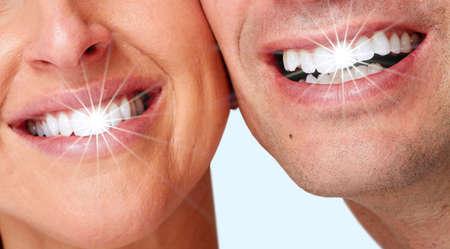 caries dental: Sonrisa de mujer feliz. Foto de archivo