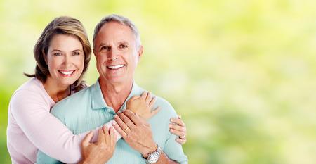 vejez feliz: Feliz pareja senior. Foto de archivo