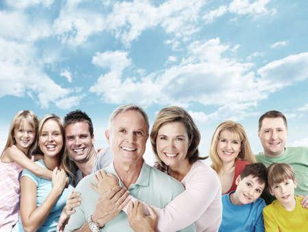 mujeres felices: Familia feliz.
