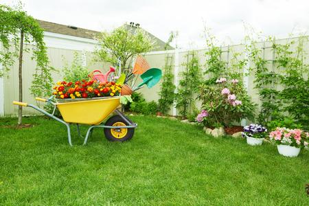 garth: Gardening tools.