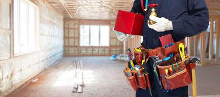 herramientas de construccion: Manitas constructor con herramientas de construcción.