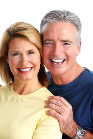 ancianos felices: Feliz riendo aislado fondo blanco pareja de ancianos. Foto de archivo