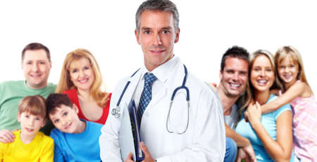 doctores: Profesional sonriente médico de familia. La atención de salud bandera blanco.