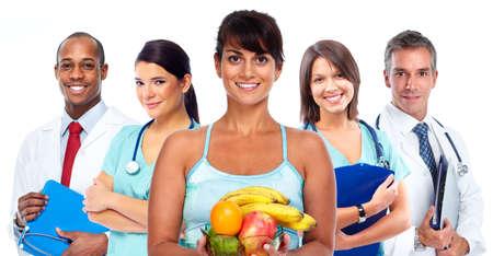 dieta saludable: Mujer asiática joven con las frutas. Una dieta saludable y pérdida de peso.