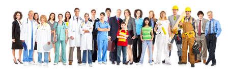 trabajadores: Gran grupo de sonriente de personas de los trabajadores. Sobre fondo blanco  Foto de archivo