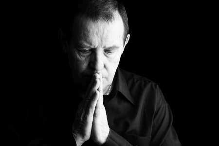 hombre orando: el hombre o la oraci�n profunda en reflexiones, especial blanco y negro de cine