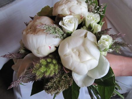 Close up of a brides bouquet photo