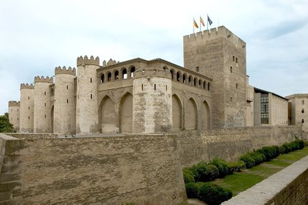 ufortyfikować: Pałac La Aljaferia w Saragossa, Aragonia, Hiszpania Zdjęcie Seryjne