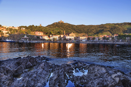 vermilion coast: Collioure and the Fort St Elme in the Vermilion coast, France Stock Photo