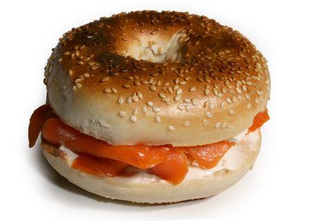 sandwiche: sesamo Bagel con salmone affumicato e crema di formaggio