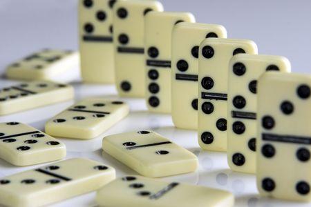 double cross: Dominoes