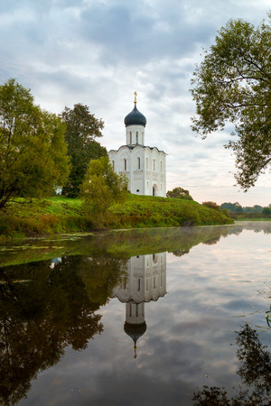 intercession: Church of the Intercession on the Nerl. Built in 12th century. Bogolyubovo, Vladimir region, Golden Ring of Russia Stock Photo