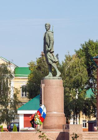 partisan: TAMBOV, RUSSIA - SEPTEMBER 13, 2014: Monument Zoya Kosmodemyanskaya. Soviet partisan and a Hero of the Soviet Union (awarded posthumously). She one of the most revered heroines of the Soviet Union