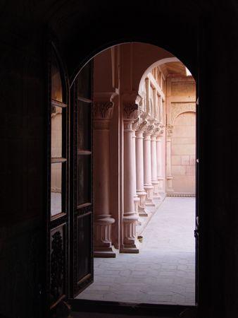 latticework: Arches and columns