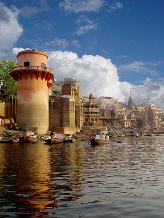 kurta: The River Ganga. The saint city Varanasi. The Stone step. The Boats.