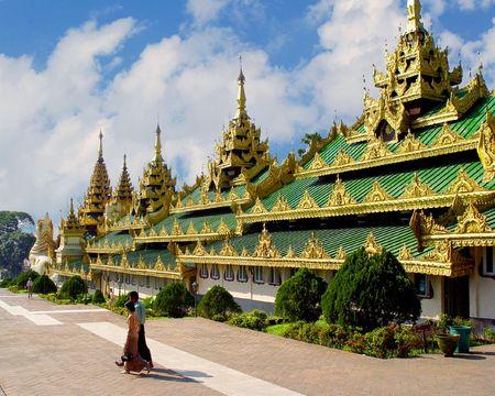 birma: Pagodes Shwedagon op terras. Yangon Myanmar (Birma Rangoon) Stockfoto