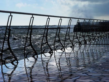 Fencing sea photo