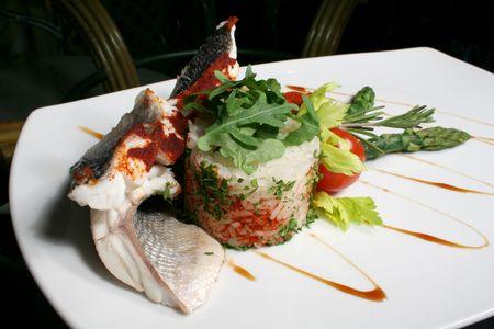 plato de pescado: Peces plato  Foto de archivo