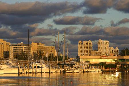 juan: San Juan Marina