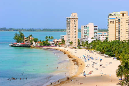 verde: Isla Verde Beach,  Puerto Rico