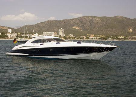 speed boat photo