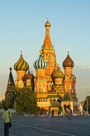 Vasily Blazhennogo la cattedrale la sera