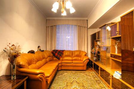 L'immagine in formato HDR di un appartamento abitato multiroom  Archivio Fotografico