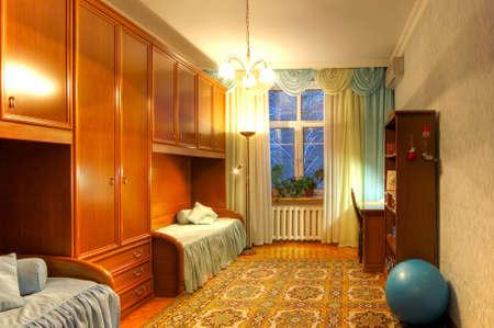Limmagine nella disposizione HDR di un appartamento abitato del multiroom Archivio Fotografico